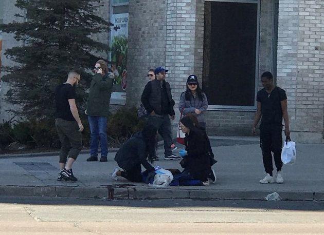 Al menos 10 muertos y 15 heridos en un atropello masivo en Toronto