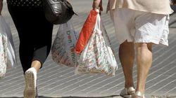 El Gobierno prevé prohibir las bolsas de plástico en 2020 y su distribución gratuita a partir de marzo de