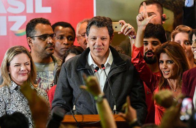El candidato del PT, Fernando Haddad, tras las elecciones en
