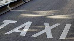La huelga de taxistas deja sin servicio a los aeropuertos y estaciones de Madrid y