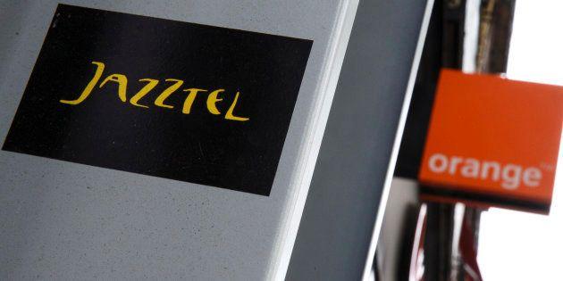 Los logos de Jazztel y Orange en