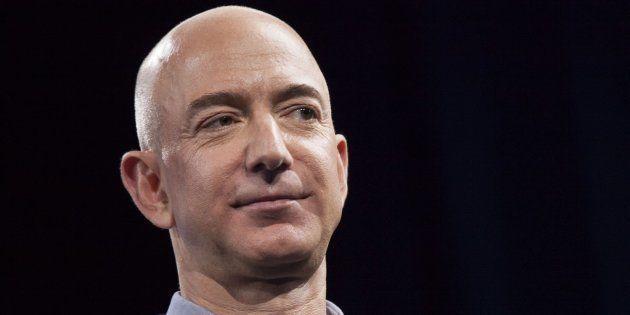 Jeff Bezos desbanca a Bill Gates como el hombre más rico del mundo, según