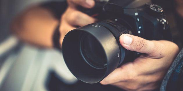 Censuran en Segovia dos obras a un fotógrafo asturiano por