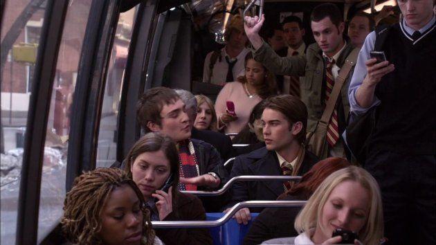 Chuck Bass viajaba en autobús en el capítulo piloto de 'Gossip