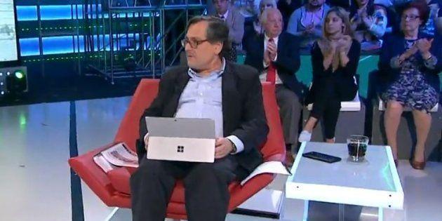 Cachondeo en Twitter con un detalle de esta imagen de Francisco Marhuenda en 'LaSexta