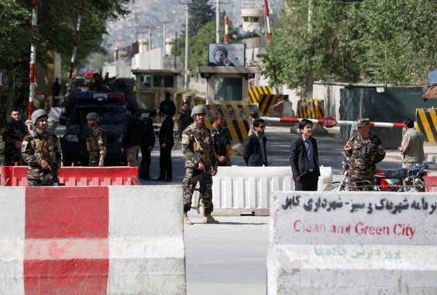 Al menos 21 muertos y 27 heridos en doble atentado suicida en
