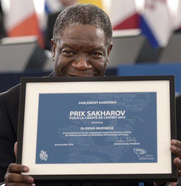 El dr Mukwege recibe el premio