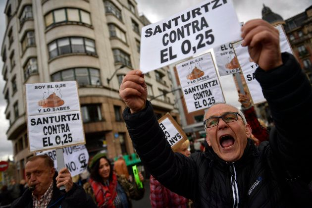 Protesta de los pensionistas en Bilbao por unas pensiones