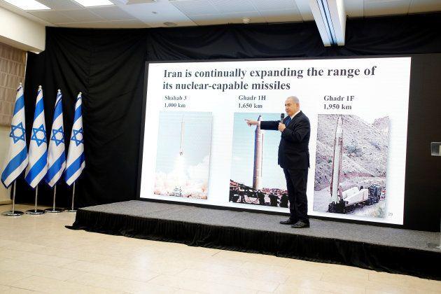 Netanyahu, explicando los supuestos avances del programa nuclear