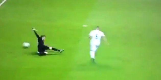 Cachondeo con lo que ha hecho el portero del Bayern en el segundo gol del