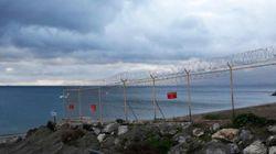 67 inmigrantes logran saltar la valla de Ceuta, siete de ellos a costa de