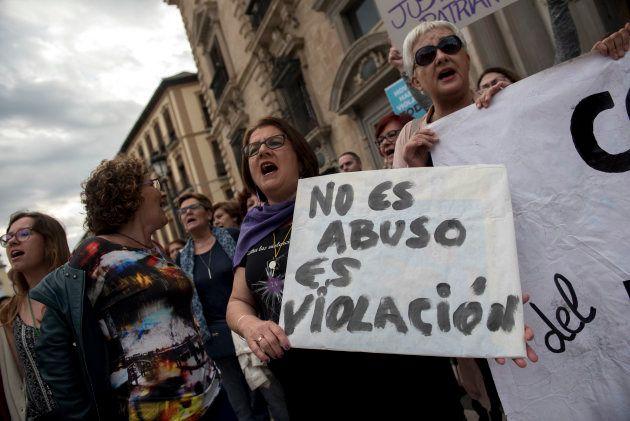La sentencia de 'La Manada' llega a las instituciones