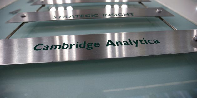 Cierra Cambridge Analytica tras el escándalo de filtración de datos de