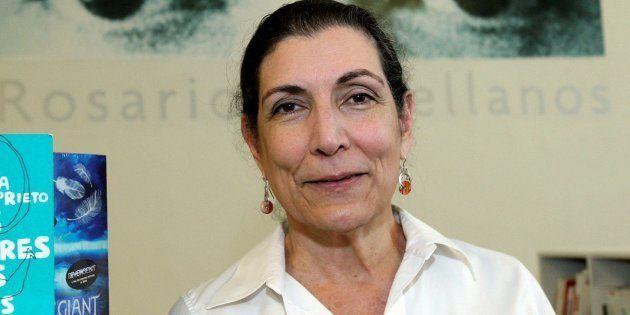 Fotografía de archivo del del 23 de febrero de 2016 de la periodista y escritora mexicana Alma Estela...