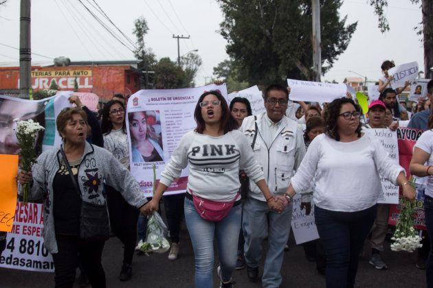 Cientos de mujeres marchan para exigir justicia y
