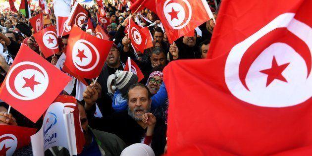 Protestas pacíficas en enero de 2018 en Túnez para conmemorar el séptimo aniversario de la Primavera