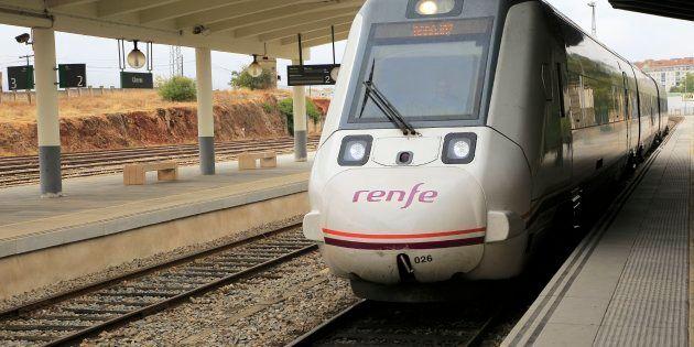 Descarrila un tren en Extremadura sin que se produzcan
