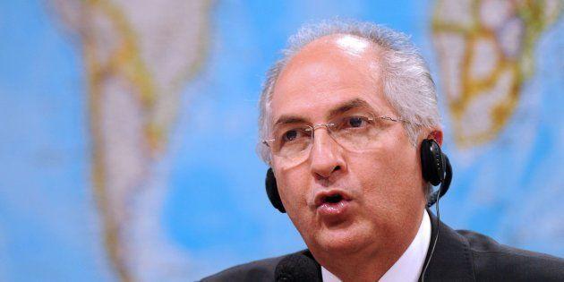 La Policía venezolana devuelve a su casa a Antonio Ledezma, alcalde de