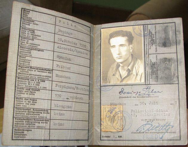 Cédula alemana de Domingo Félez, prisiones español superviviente del campo de