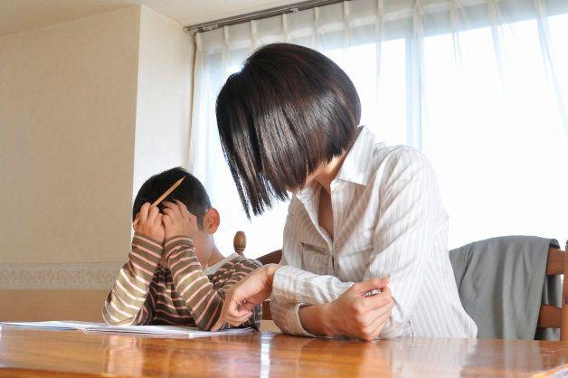 Confesión: odio ayudar a mis hijos con los deberes de