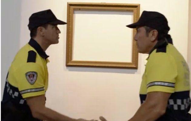 Escena de ambos agentes en el capítulo de