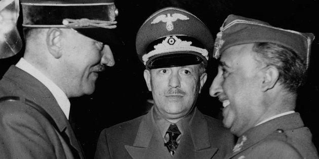 Hitler (derecha) y Franco