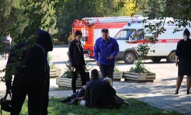 Al menos 18 muertos y 40 heridos en un ataque contra un colegio de