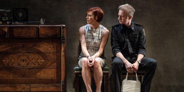 Elisabet Gelabert y Tristán Ulloa en 'El precio', de Arthur