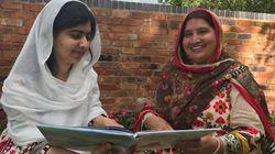 La madre de Malala aprende a leer inglés con un cuento escrito por su
