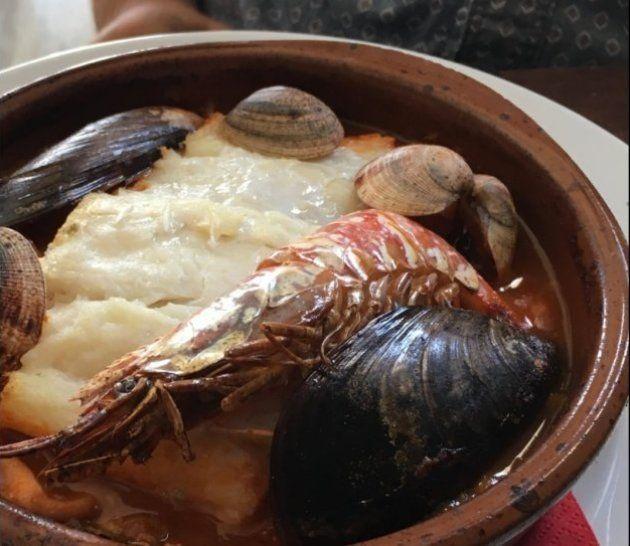 Cazuela de marisco y pescado del restaurante