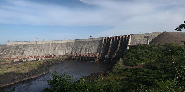 Foto de archivo de la represa Guri, colapsada tras las