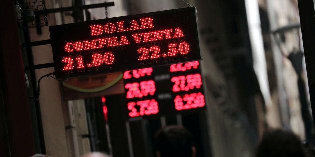 Argentina solicita apoyo financiero al Fondo Monetario