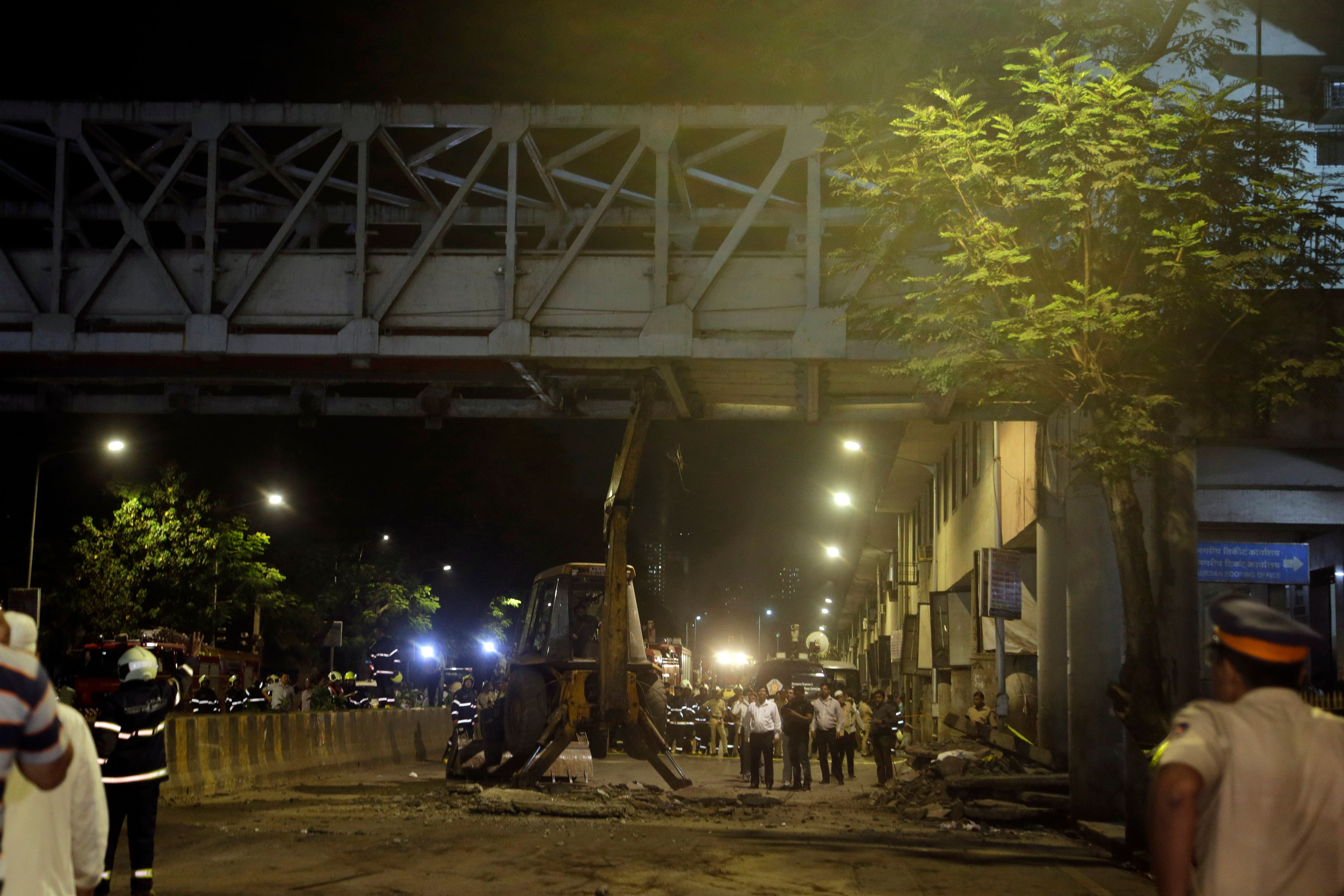 6 Killed As Footover Bridge Collapses In Mumbai, 2nd Incident In 8