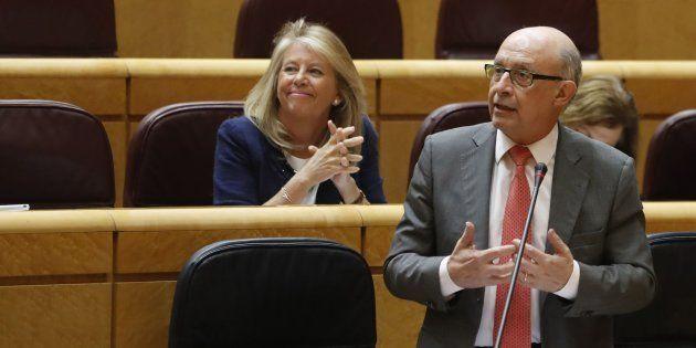 El ministro de Hacienda, Cristóbal Montoro, interviene en el pleno del