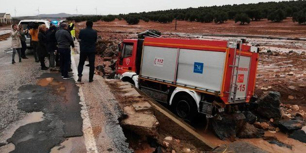 Un bombero muere a consecuencia de las lluvias en