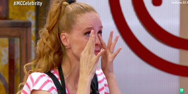 María Castro llora tras despedirse de 'MasterChef