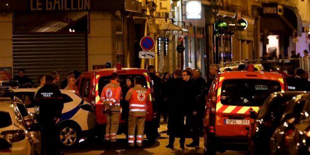 Al menos un muerto y cuatro heridos en un ataque con cuchillo en el centro de