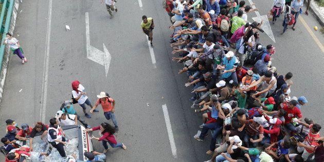 Más de 7.000 personas viajan en la caravana