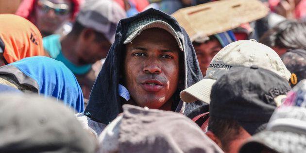 La caravana de migrantes avanza hacia
