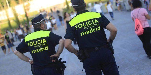 Muere apuñalado un policía municipal de Madrid que estaba fuera de