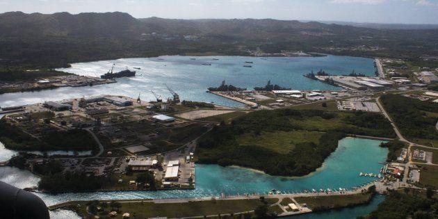 Foto aérea del puerto de Apra, en la isla de Guam, una imagen de archivo tomada el 5 de marzo de 2016...
