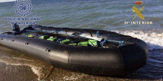 Muere un menor en una barca de recreo tras pasarle encima una lancha en una playa de