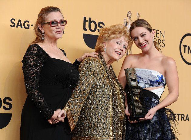 Carrie Fisher, Debbie Reynolds y Billie Lourd en los 21º Screen Actors Guild Awards, en enero de
