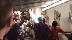Hinchas del CSKA de Moscú hunden las escaleras del metro de Roma y dejan una veintena de