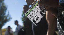Nueva jornada de colas en El Prat a la espera de la votación de los