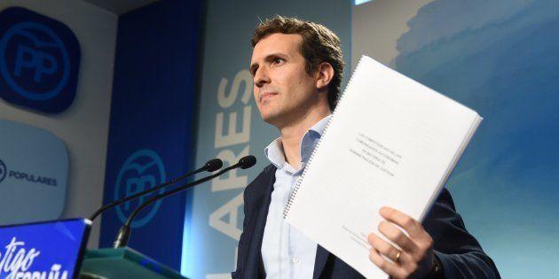 Pablo Casado, el mes pasado, durante la rueda de prensa en la que ofreció explicaciones sobre su