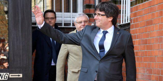 Incredulidad por este extraño detalle en el despacho de Carles Puigdemont en