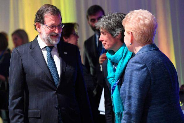 Rajoy saluda a la presidenta de Lituania en la