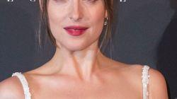 El irreconocible aspecto de Dakota Johnson en su nueva