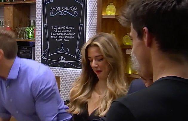 La camarera rusa de 'First Dates' protagoniza el momento más sexi del programa tras sonsacarle un